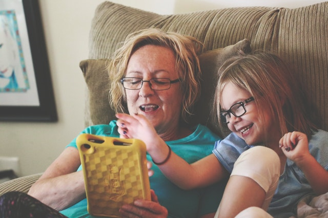 kids, ipad, tablet, learning, having fun, family time, shows, kids shows